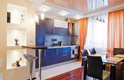 Варианты отделки потолка в кухне