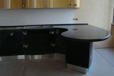 Наиболее популярные материалы для производства кухонных столешниц