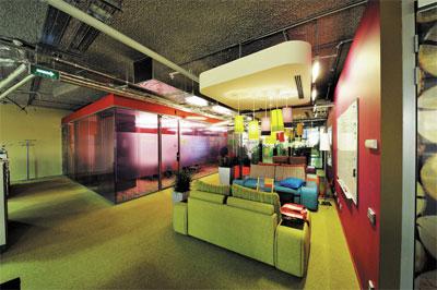 Арт-объекты в офисе и в торговых центрах