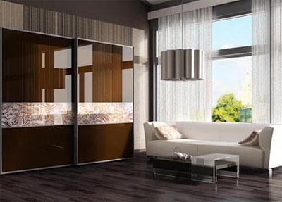 Шкаф-купе в гостиной: удобство и стиль
