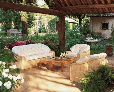 Как выбрать мебель для дачного участка