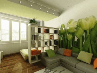 Используем рационально стенку над диваном