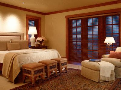Правильно оснащаем изножье кровати в спальной комнате