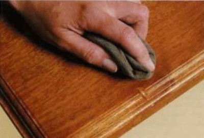 Как устранить вмятины на поверхности деревянной мебели?