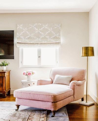 Чем можно оформить свободный уголок в гостиной?