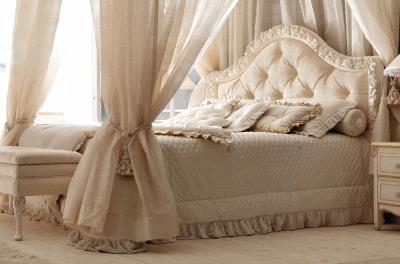 о спальной кровати с мягким изголовьем