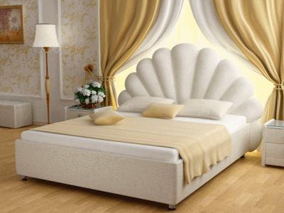 Спальная кровать от Elizabeth de la Vega