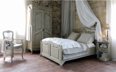 Использование французского стиля в спальной комнате