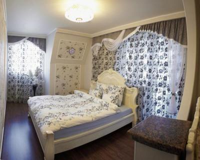 Как подобрать в спальню хорошую люстру?