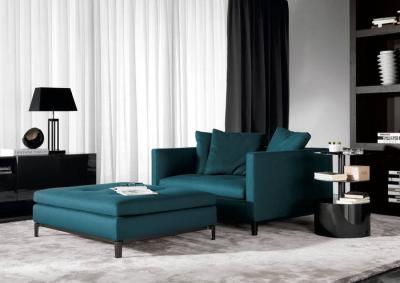 Плюсы и минусы дивана в качестве акцентного элемента в гостиной