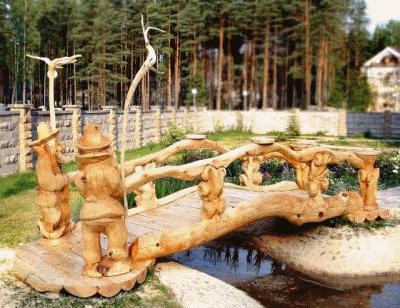Деревянные скульптуры для украшения сада