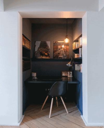 Классные примеры рабочего уголка в спальной комнате