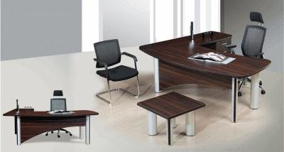 Удобные столы и стулья – главные элементы обстановки современного офиса