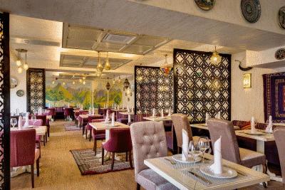 Немного о материалах для современной ресторанной мебели