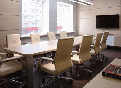 Нюансы выбора хорошего стола для переговоров